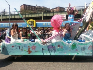 A lovely group (school?) of mini-mermaids